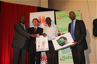 Abel Masai receiving his award (second from right)