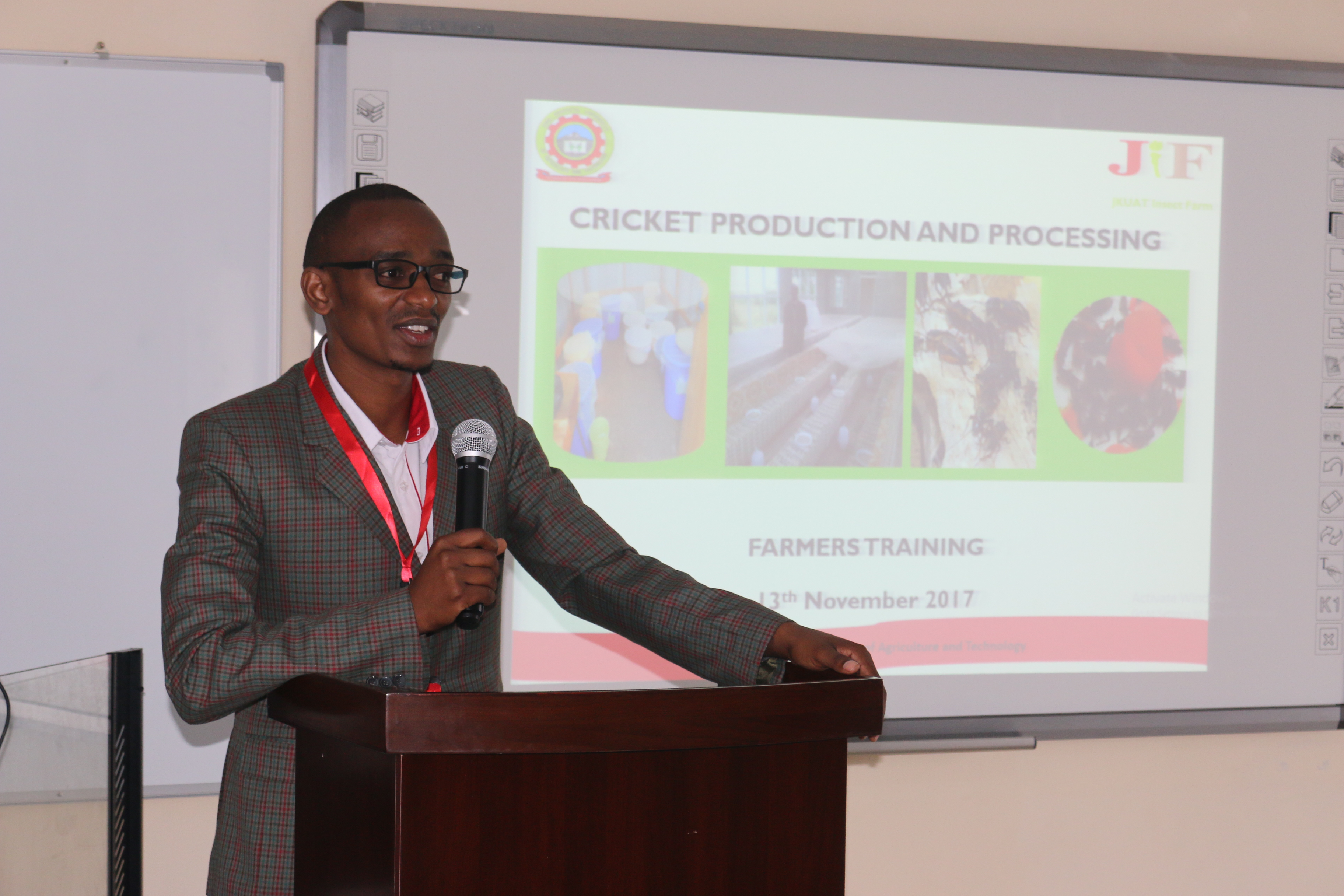 Dr. John Kinyuru conducting a training of farmers from across the country on cricket farming at the University last month.