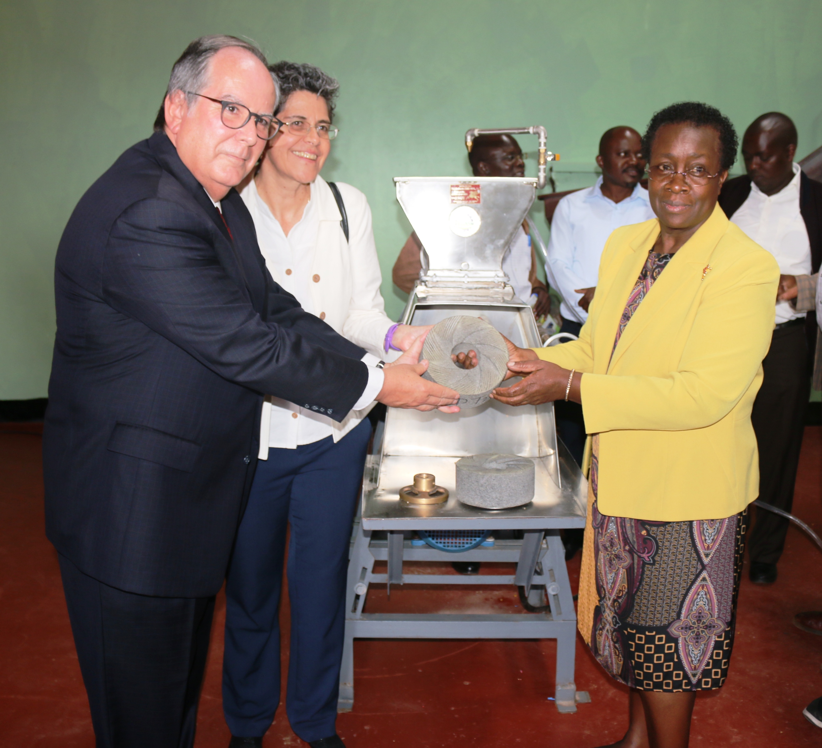 Official handing over of the machine from Amb. Martinez to Prof. Imbuga