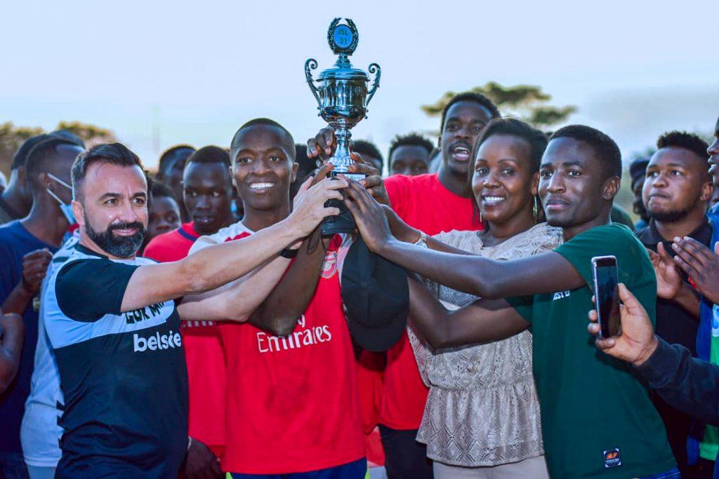 Gor Mahia F.C. Head Coach, Carlos Manuel Vaz Pinto awards the Winner's.